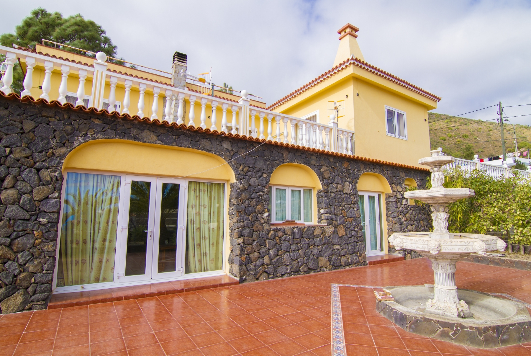 Properties for Sale in Tenerife, Canary Islands, Spain | SylkWayStar Real Estate. Finca with vineyard - Cruz de Tea - Granadilla de Abona . Image-21855