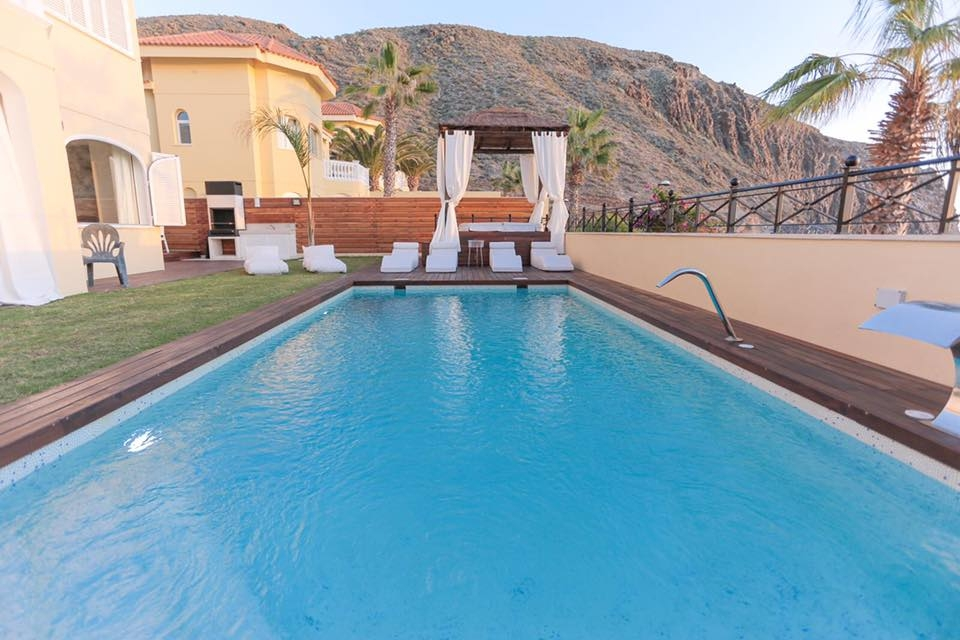 Properties for Sale in Tenerife, Canary Islands, Spain | TENERPROPERTY Real Estate. Unique 5 bed villa on the first line - Los Cristianos. Image-21351