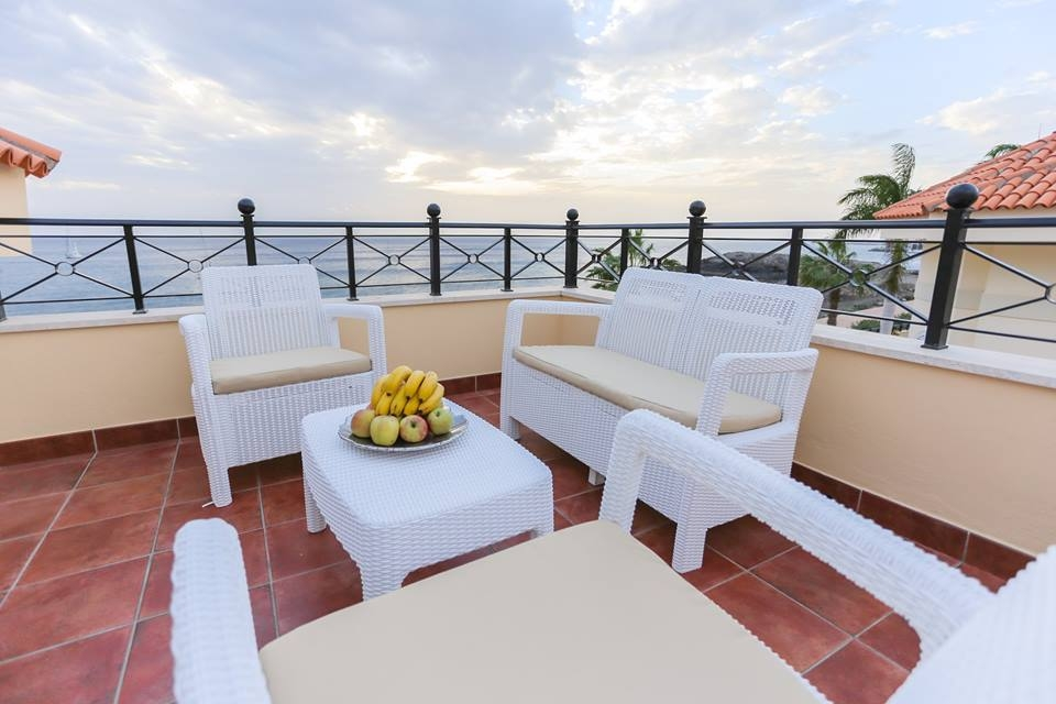 Properties for Sale in Tenerife, Canary Islands, Spain | TENERPROPERTY Real Estate. Unique 5 bed villa on the first line - Los Cristianos. Image-21369