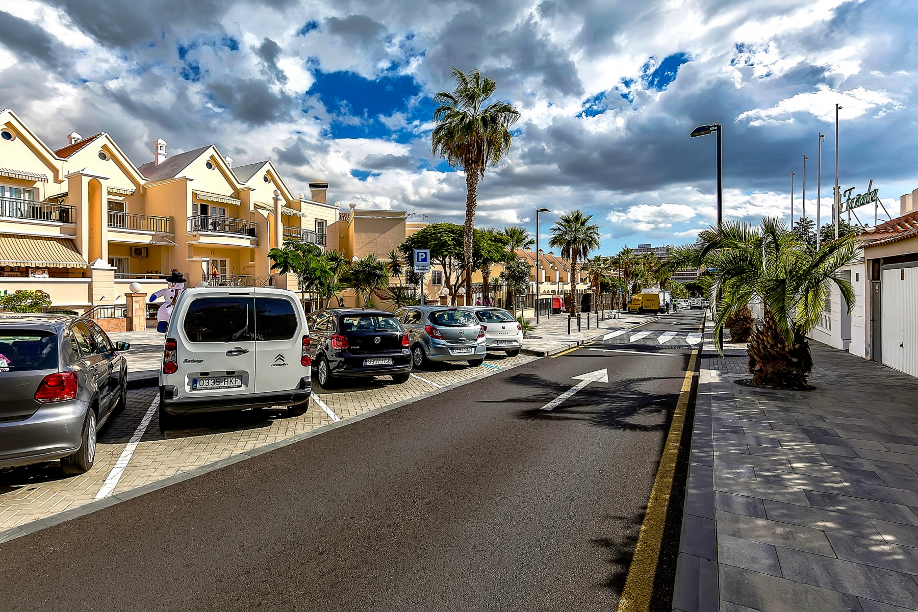 Properties for Sale in Tenerife, Canary Islands, Spain | SylkWayStar Real Estate. 1 bedroom apartment Yucca Park. Image-22553