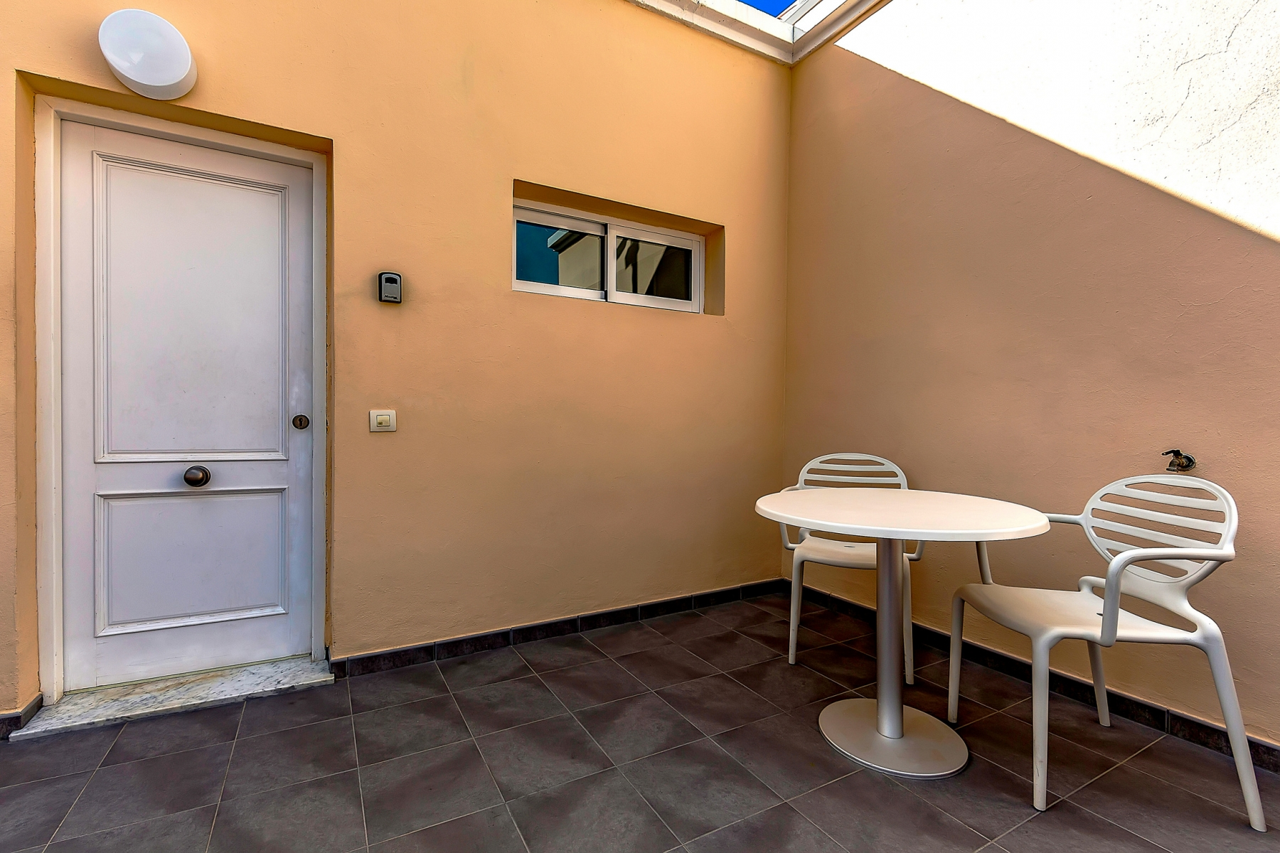 Properties for Sale in Tenerife, Canary Islands, Spain | SylkWayStar Real Estate. 1 bedroom apartment Yucca Park. Image-22541