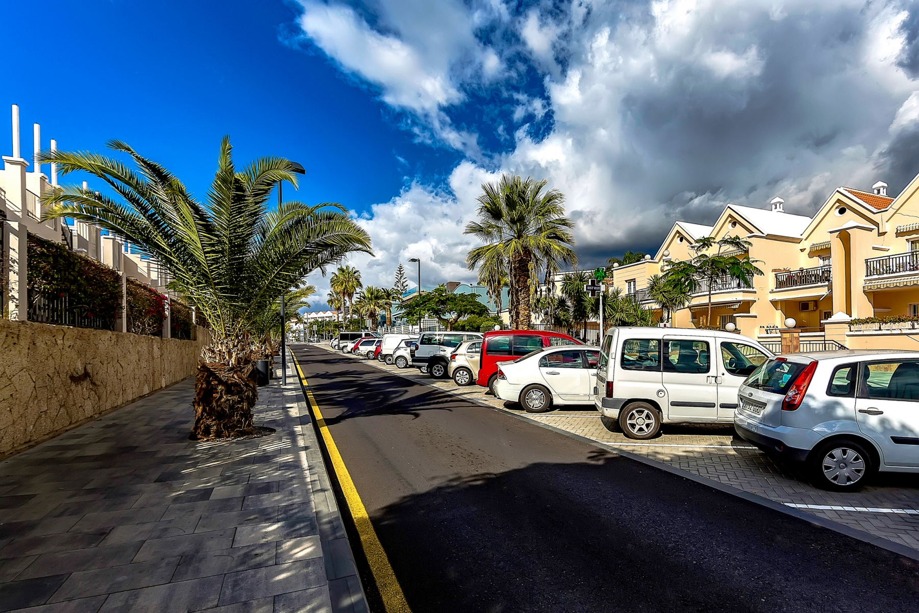 Properties for Sale in Tenerife, Canary Islands, Spain | SylkWayStar Real Estate. 1 bedroom apartment Yucca Park. Image-22548