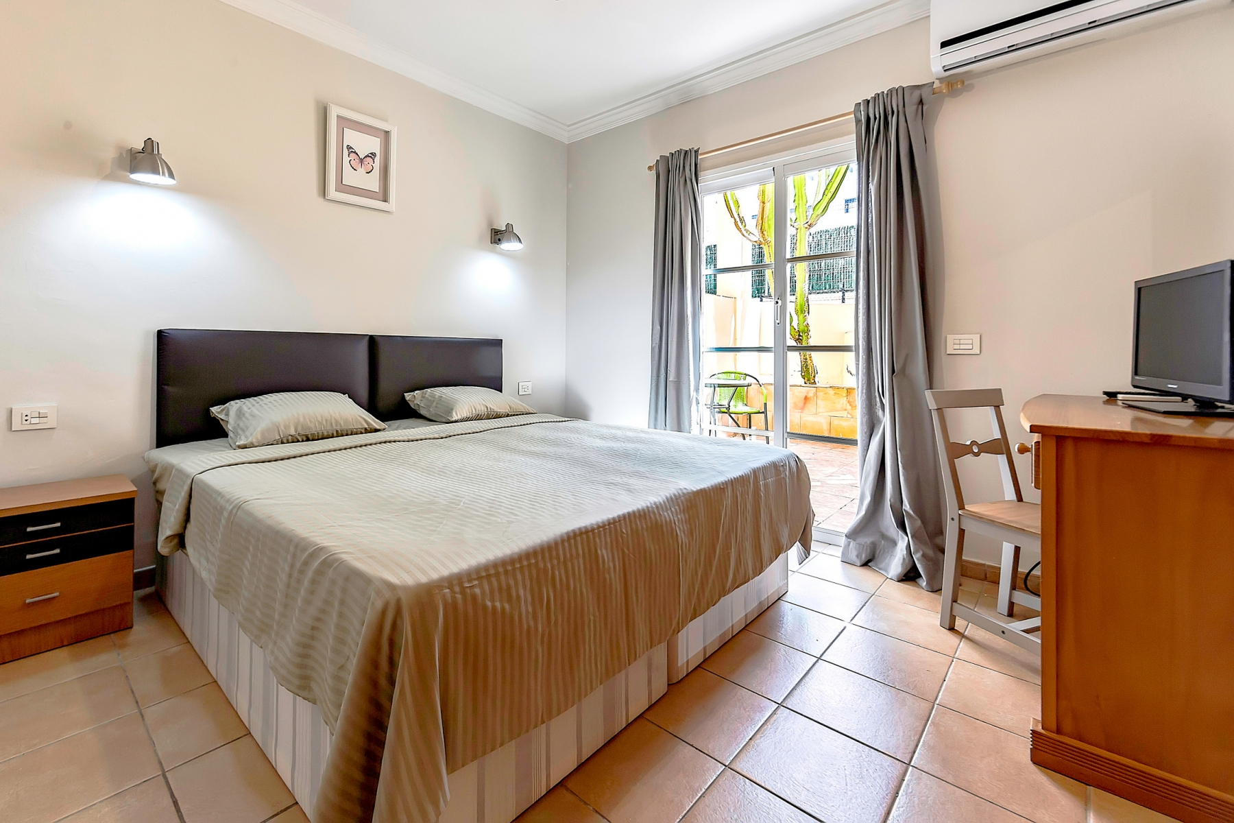 Properties for Sale in Tenerife, Canary Islands, Spain | SylkWayStar Real Estate. 1 bedroom apartment Yucca Park. Image-22573