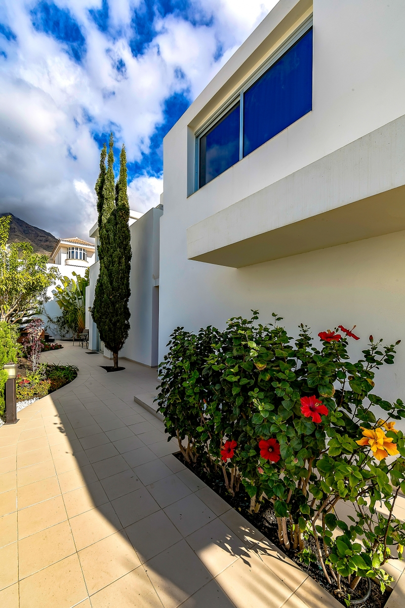 Properties for Sale in Tenerife, Canary Islands, Spain   SylkWayStar Real Estate. Luxury villa in the fashionable area of the south of the island of Tenerife – Madroñal.. Image-22824