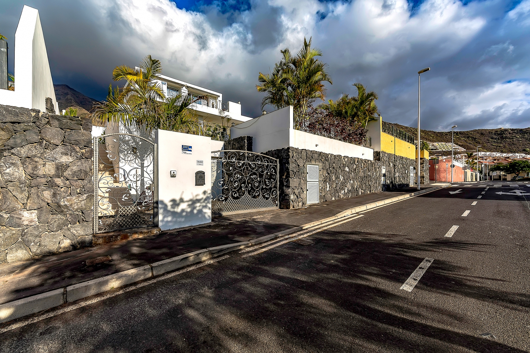 Properties for Sale in Tenerife, Canary Islands, Spain   SylkWayStar Real Estate. Luxury villa in the fashionable area of the south of the island of Tenerife – Madroñal.. Image-22835
