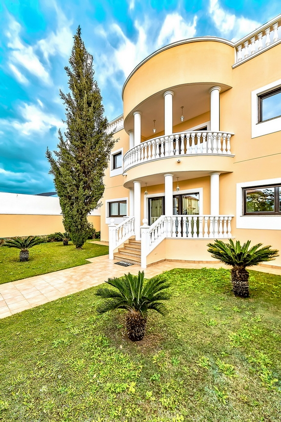 Properties for Sale in Tenerife, Canary Islands, Spain | SylkWayStar Real Estate. Luxury villa in the fashionable area of the south of the island of Tenerife – Madroñal. Image-22861