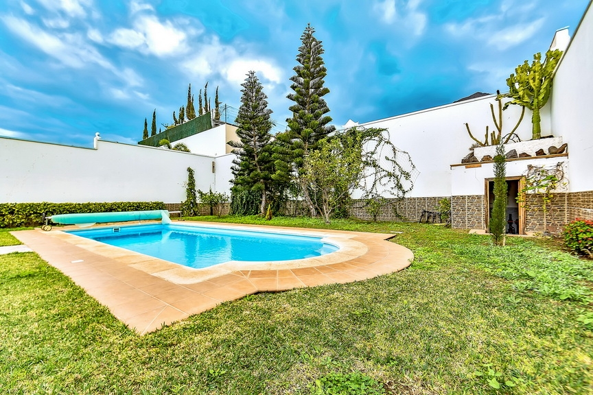 Properties for Sale in Tenerife, Canary Islands, Spain | SylkWayStar Real Estate. Luxury villa in the fashionable area of the south of the island of Tenerife – Madroñal. Image-22900