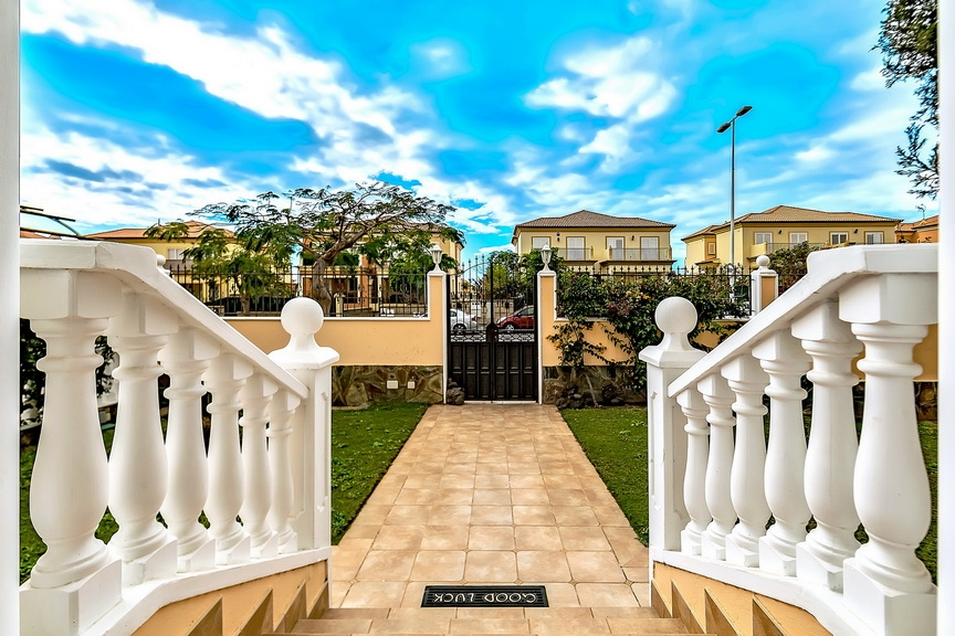 Properties for Sale in Tenerife, Canary Islands, Spain | SylkWayStar Real Estate. Luxury villa in the fashionable area of the south of the island of Tenerife – Madroñal. Image-22858