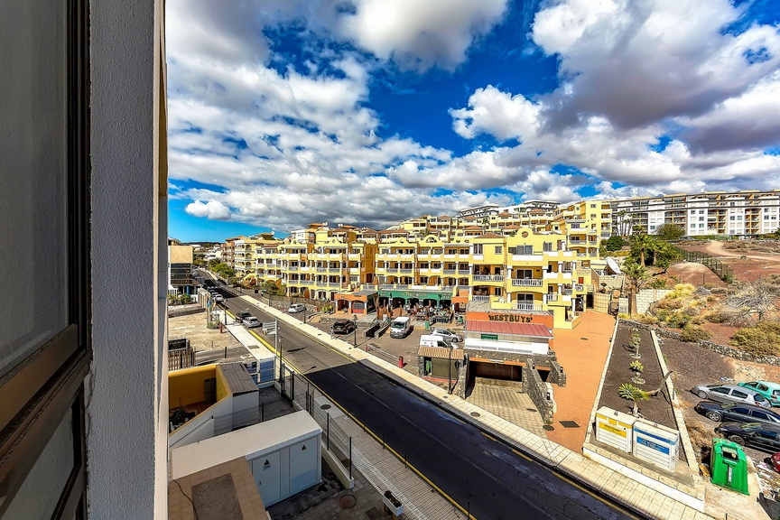 Properties for Sale in Tenerife, Canary Islands, Spain | SylkWayStar Real Estate. 1 bedroom Apartment del Duque. Image-23170