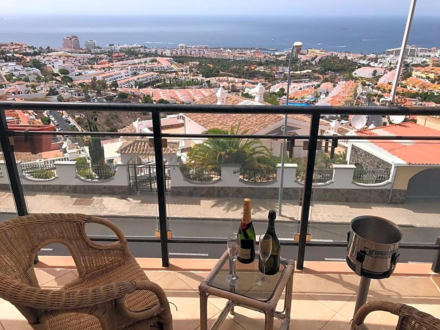 Properties for Sale in Tenerife, Canary Islands, Spain | SylkWayStar Real Estate. 3 bedrooms Villa San Eugenio. Image-24079