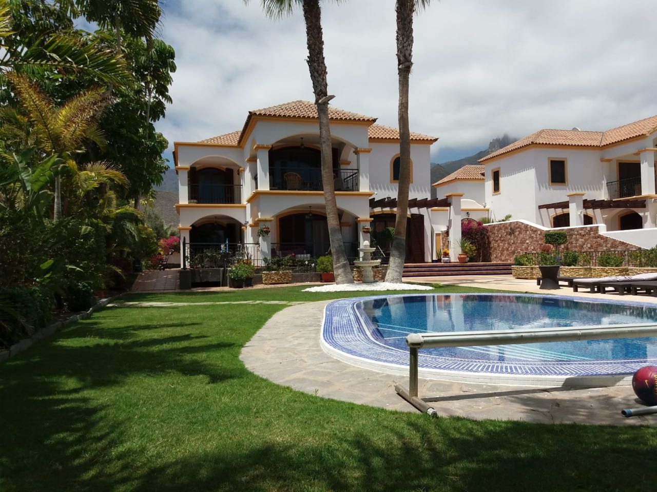 Properties for Sale in Tenerife, Canary Islands, Spain | SylkWayStar Real Estate. Luxury Villa 5 Bedrooms Madroñal. Image-24430
