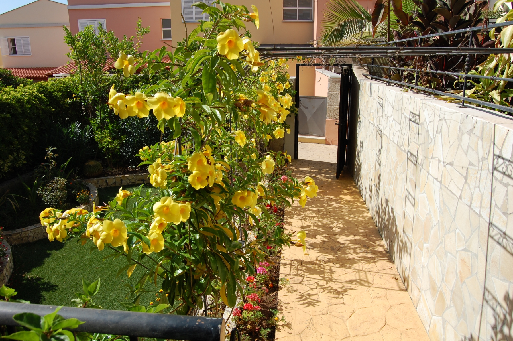 Properties for Sale in Tenerife, Canary Islands, Spain | SylkWayStar Real Estate. Townhouse 3 bedrooms 2 baths Madroñal. Image-24737