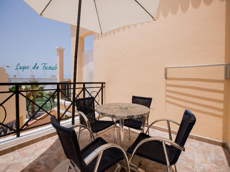Properties for Sale in Tenerife, Canary Islands, Spain | SylkWayStar Real Estate. 1 bedroom apartment Yucca Park . Image-24798