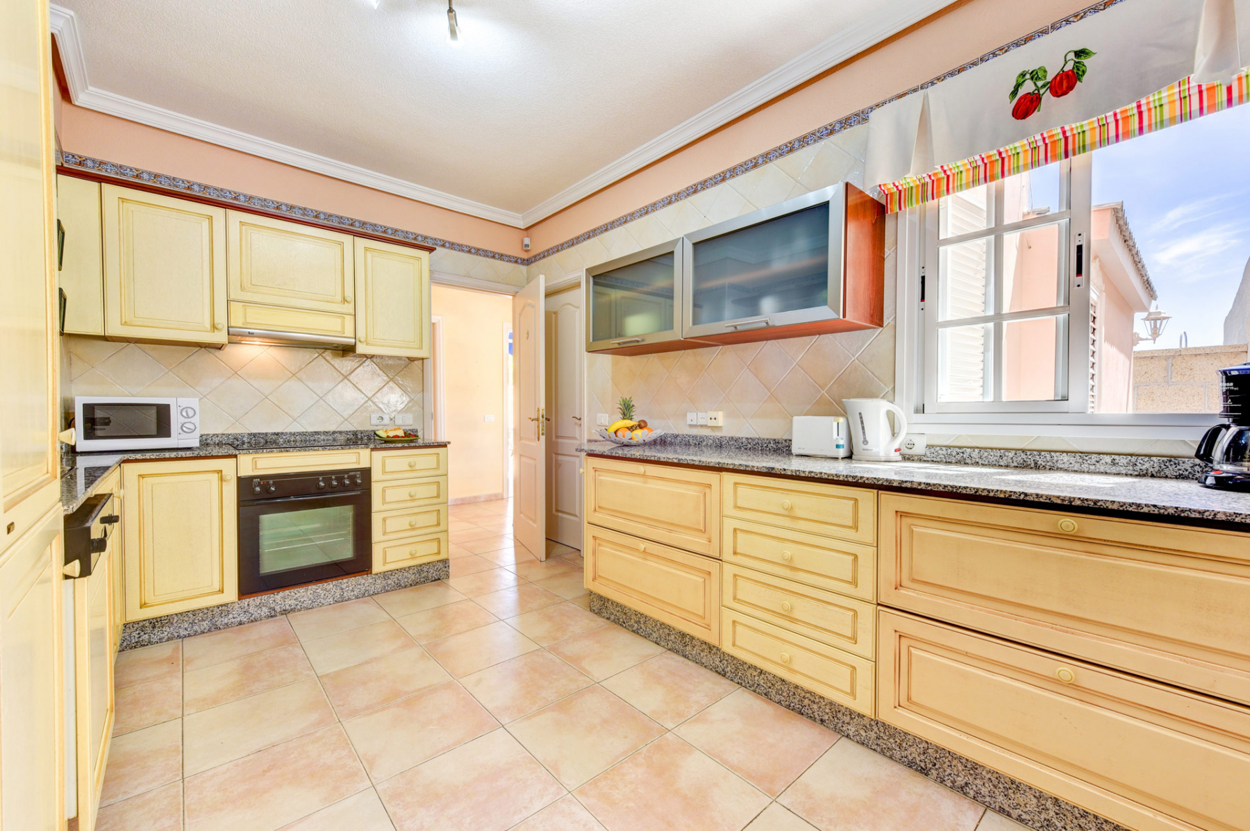 Properties for Sale in Tenerife, Canary Islands, Spain | SylkWayStar Real Estate. Villa 5 bedrooms Madroñal. Image-25086