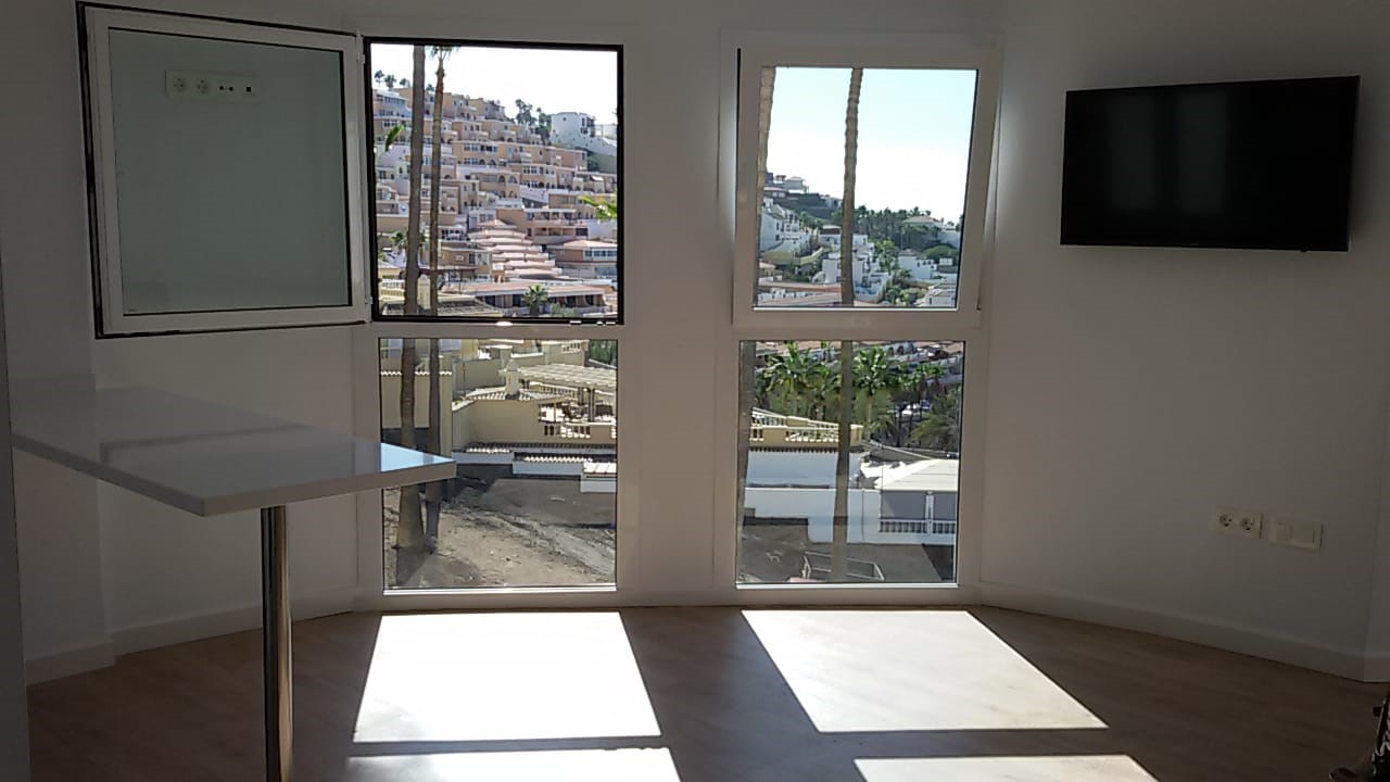 Properties for Sale in Tenerife, Canary Islands, Spain | TENERPROPERTY Real Estate. 1 Bedroom apartment - Colina Blanca. Image-25166