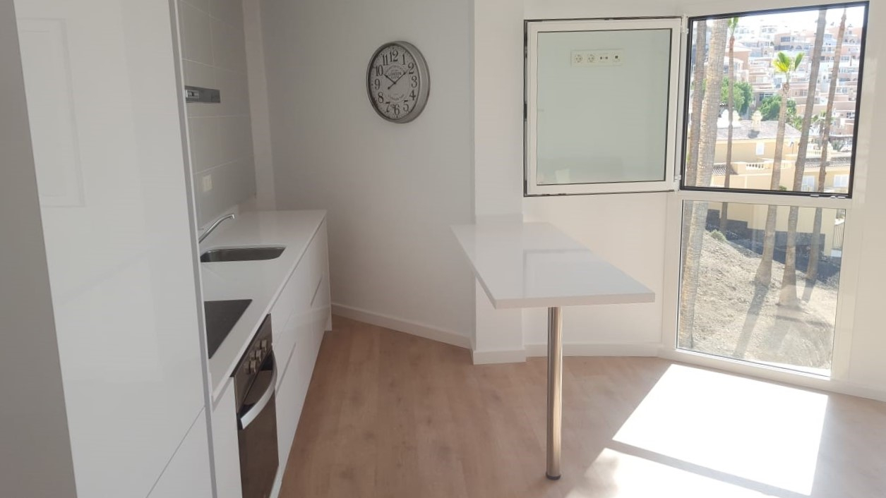 Properties for Sale in Tenerife, Canary Islands, Spain | TENERPROPERTY Real Estate. 1 Bedroom apartment - Colina Blanca. Image-25162