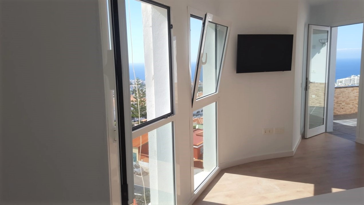 Properties for Sale in Tenerife, Canary Islands, Spain | TENERPROPERTY Real Estate. 1 Bedroom apartment - Colina Blanca. Image-25165
