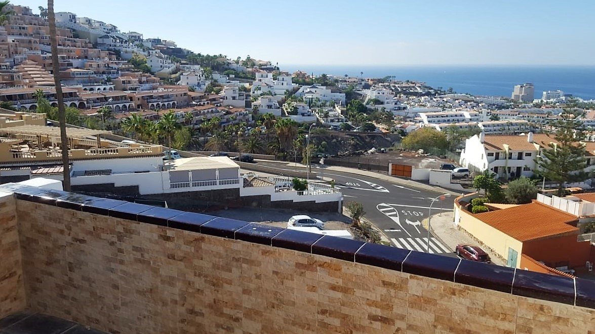 Properties for Sale in Tenerife, Canary Islands, Spain | TENERPROPERTY Real Estate. 1 Bedroom apartment - Colina Blanca. Image-25174