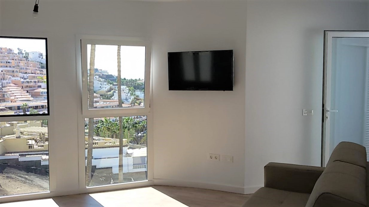 Properties for Sale in Tenerife, Canary Islands, Spain | TENERPROPERTY Real Estate. 1 Bedroom apartment - Colina Blanca. Image-25167