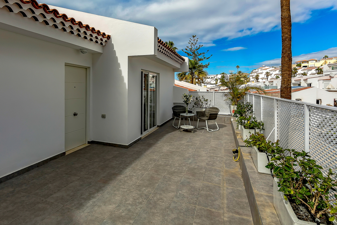 Properties for Sale in Tenerife, Canary Islands, Spain | SylkWayStar Real Estate. Apartment 5 bedrooms Island Village. Image-25431