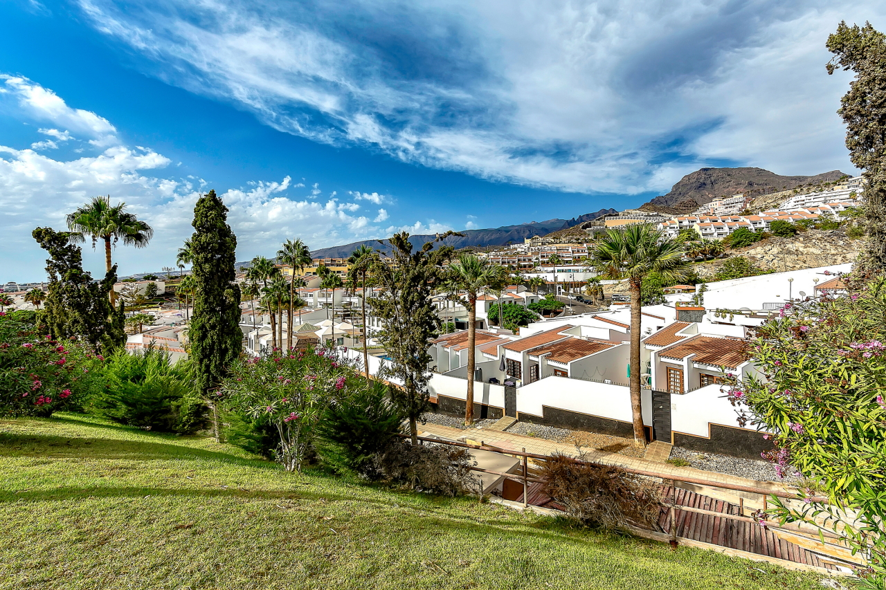 Properties for Sale in Tenerife, Canary Islands, Spain | SylkWayStar Real Estate. Apartment 5 bedrooms Island Village. Image-25378