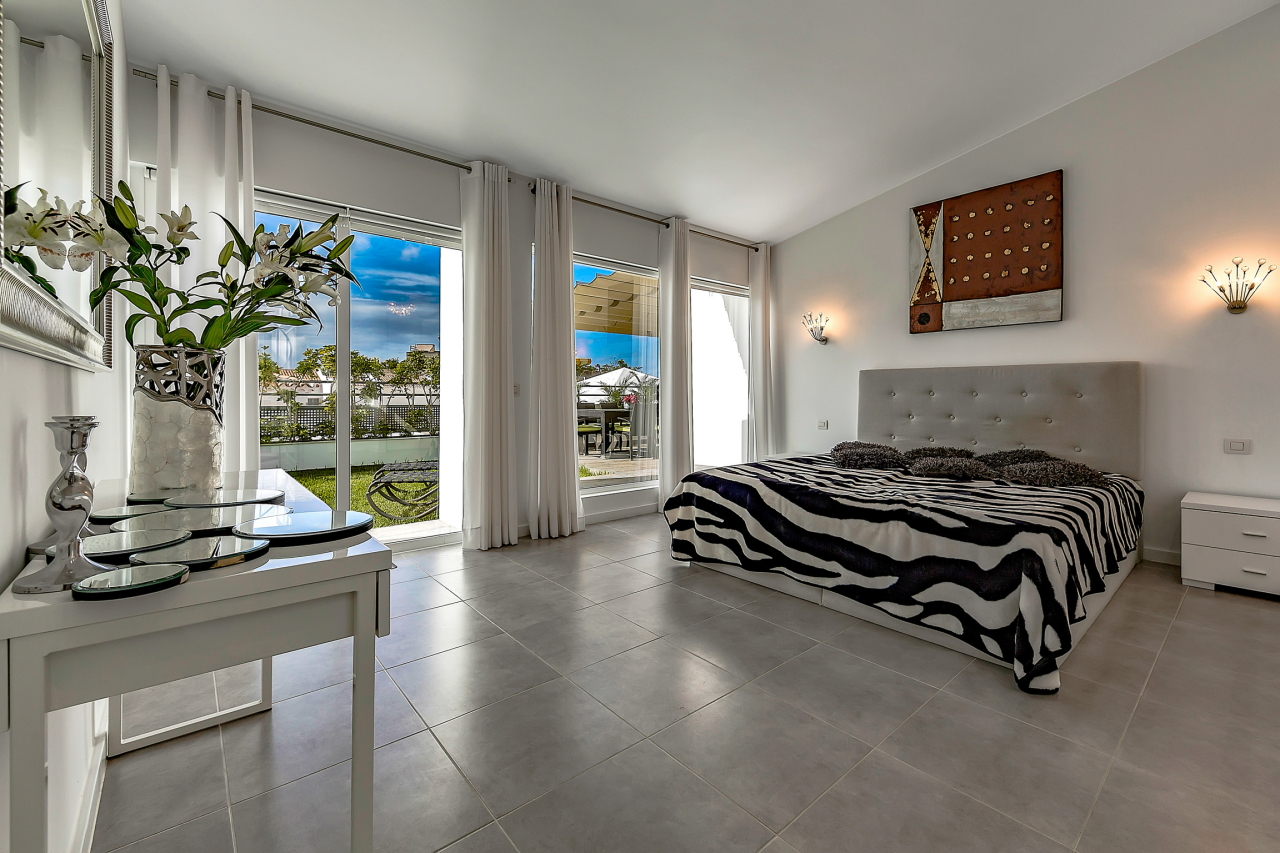 Properties for Sale in Tenerife, Canary Islands, Spain | SylkWayStar Real Estate. Apartment 5 bedrooms Island Village. Image-25408