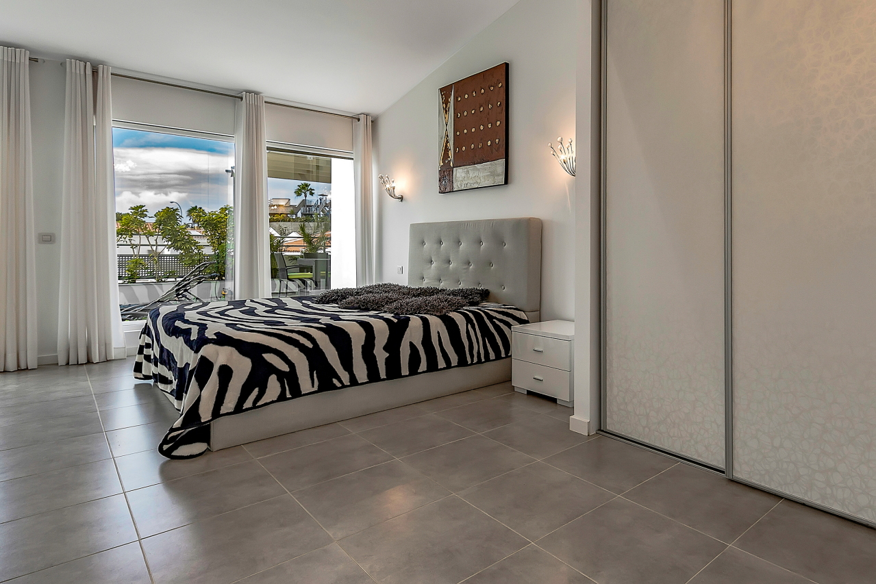 Properties for Sale in Tenerife, Canary Islands, Spain | SylkWayStar Real Estate. Apartment 5 bedrooms Island Village. Image-25433