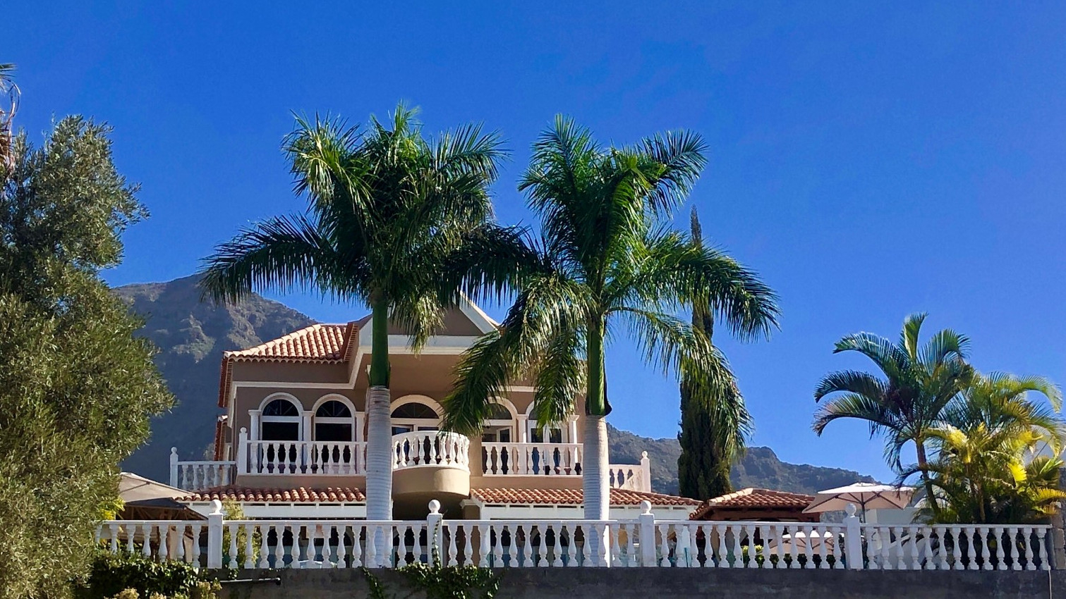 Properties for Sale in Tenerife, Canary Islands, Spain | SylkWayStar Real Estate. Magnificent 5 Bedroom Villa Madroñal. Image-25660