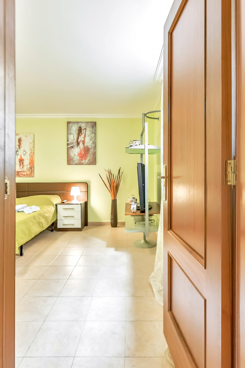 Properties for Sale in Tenerife, Canary Islands, Spain | SylkWayStar Real Estate. Villa 4 bedrooms Puerto Colon. Image-26057