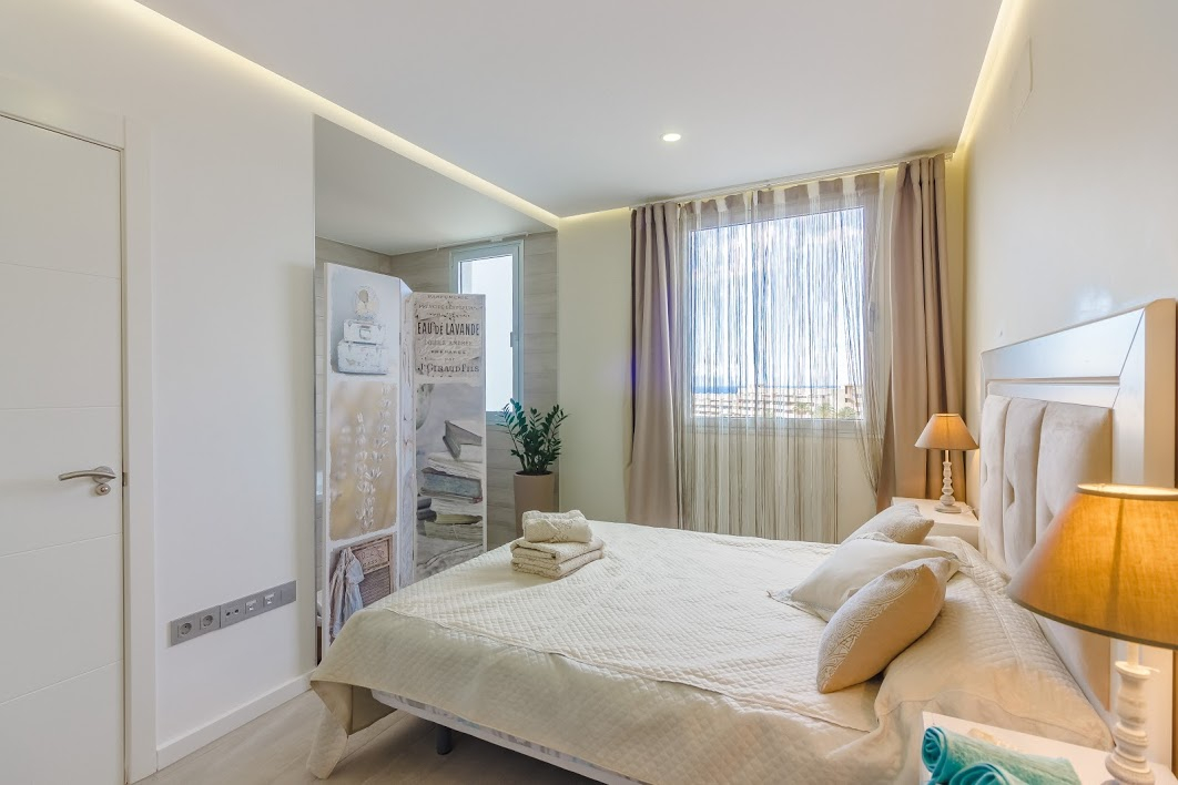 Properties for Sale in Tenerife, Canary Islands, Spain | SylkWayStar Real Estate. 3 bedroom apartment Playa Paraiso. Image-26132