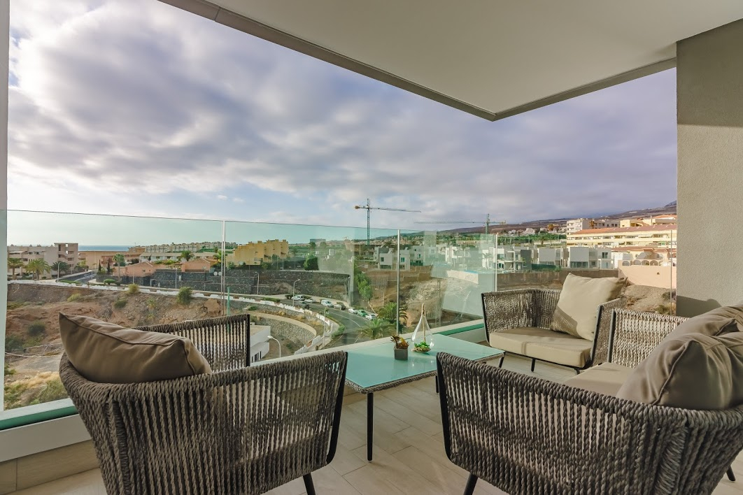 Properties for Sale in Tenerife, Canary Islands, Spain | SylkWayStar Real Estate. 3 bedroom apartment Playa Paraiso. Image-26138