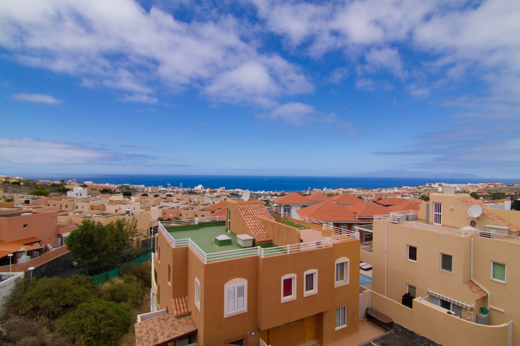Properties for Sale in Tenerife, Canary Islands, Spain | SylkWayStar Real Estate. 4 bedrooms Townhouse - El Madroñal . Image-26211