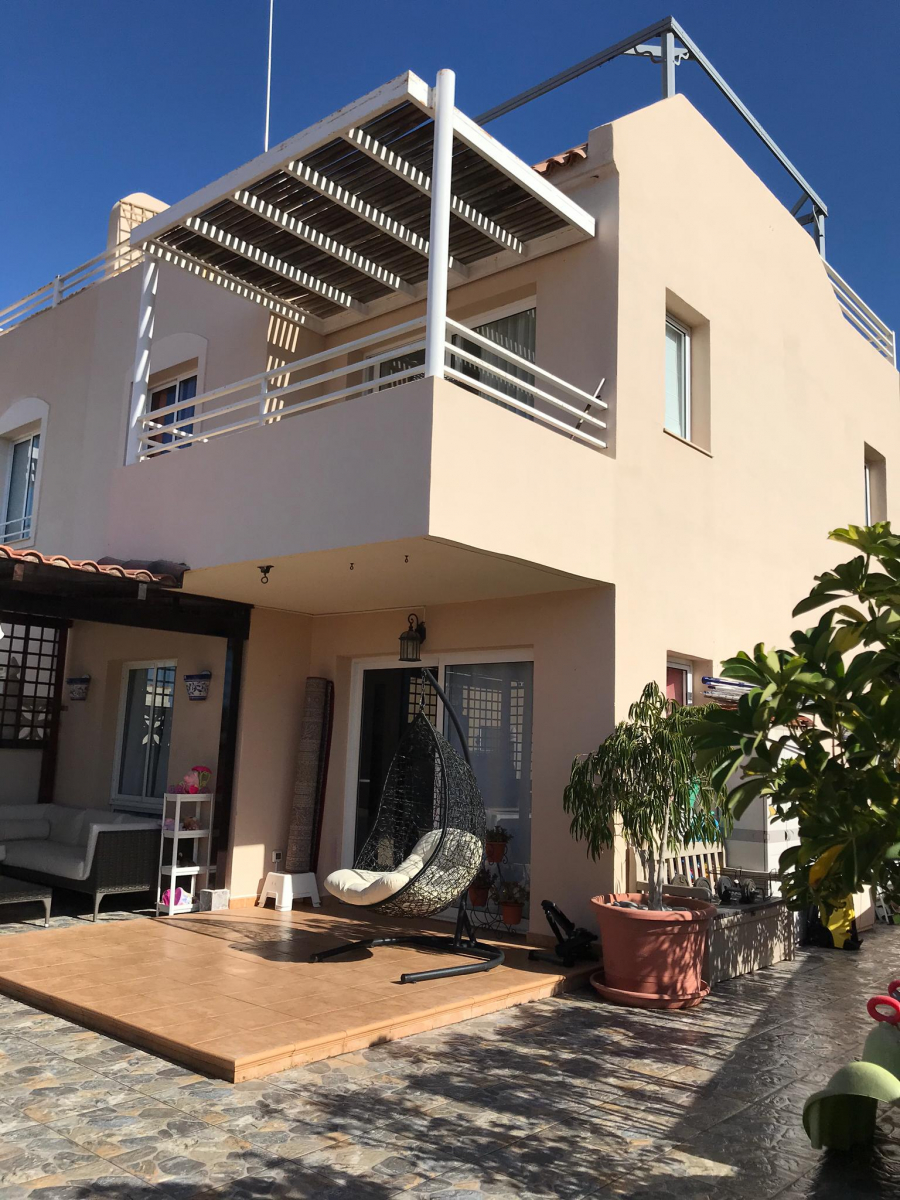 Properties for Sale in Tenerife, Canary Islands, Spain | SylkWayStar Real Estate. 4 bedrooms Townhouse - El Madroñal . Image-26203
